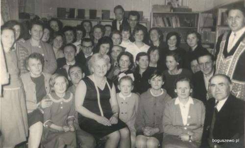 28-29 Kurs szycia i pieczenia w szkole Boguszewo 1964r. 1